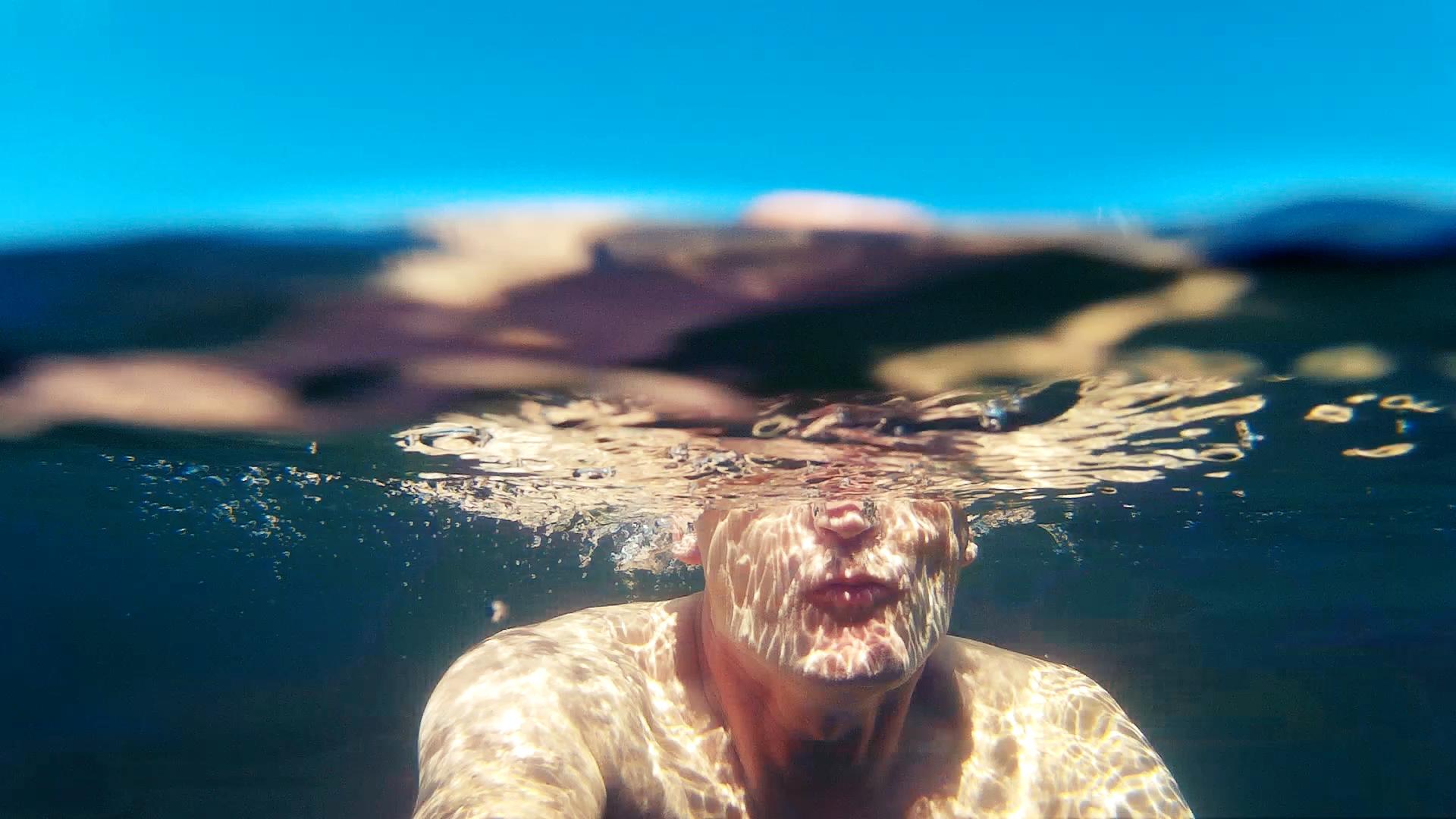 The Swimmer - Ich, auf Abtauchphase im Tegernsee.